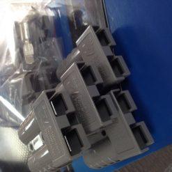 bulk anderson plugs