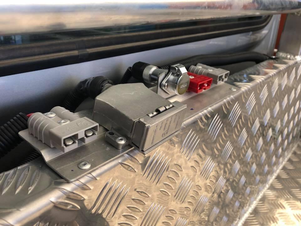 70 series lanbdcruiser goose neck wiring